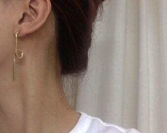 Twisted bar stud earrings - gold bar earrings - geo dangle bar earrings