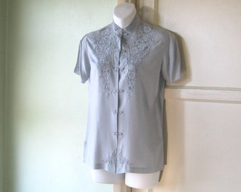 XS-Small Vintage Pearl Grey Silk Chinese Top - Gorgeous Grey Asian Blouse - High Collar Asian Top - Cut Out Lace Silk Gray Blouse
