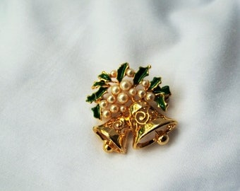 Vintage Goldtone Christmas Bell Brooch with Pearls and Enamel Holly Leaves