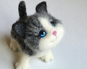 Needle Felted Silver Kitten, Cat Portrait, Toy Kitten, Sculpted Kitten by Marina Lubomirsky