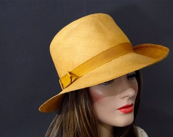 Casual Straw Fedora Vintage 1960's Tall Crown - Gold Grosgrain Hat Band - Womens Accessories