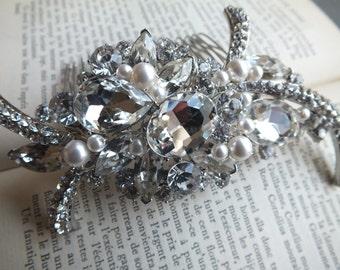 Bridal haircomb, Crystal and pearl, rhinestone hair comb, vintage inspired,silver