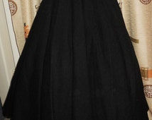 Vintage 1950s Circle Skirt Black Wool Felt Circle Skirt Rockabilly Skirt XS 24 inch waist