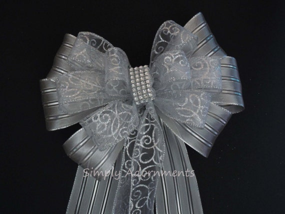 Silver Wedding Pew Bow Silver Party decoration Silver Wreath Bow Silver Filigree Wedding Church Pew Bow Silver Anniversary Decor Chair bow