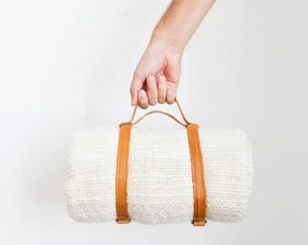 Blanket carrier, Leather sling, Strap carrier, Carrying bag for travel, Yoga mats or Picnics