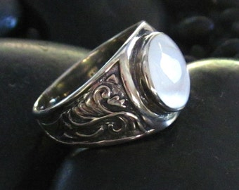 Round Mother of Pearl Cabochon in Sterling Silver .925 Setting with Carved Side Details - Tapered Ring Shank for Comfy Fit - Multiple Sizes