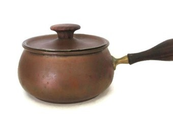 Copper Fondue Pot, Vintage Rustic, Made in Italy, Brass Wood Handle, Covered Copper Pan