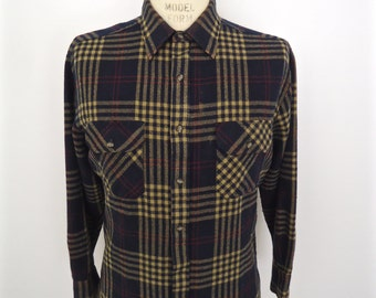 Vintage Plaid Flannel / Northwest Territory black & tan check pattern shirt / men's medium-large