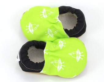 alien baby shoes, ufo booties, soft sole shoes, sci-fi baby, neon green baby shoes, baby alien booties, alien clothing, ufo baby, nerd baby