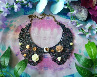 Lace look metal collar with eye and roses