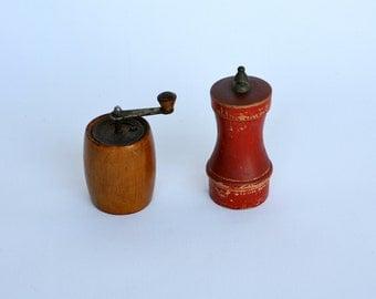 Odd pair of small Italian vintage pepper grinders