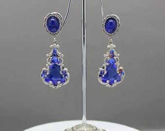 Vintage style earrings in sapphire blue and silver
