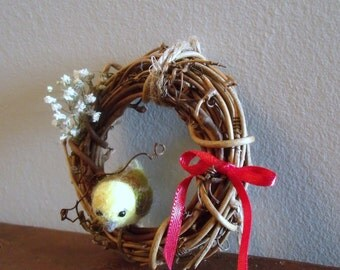 Mini Wreath with a Bird (Yellow)