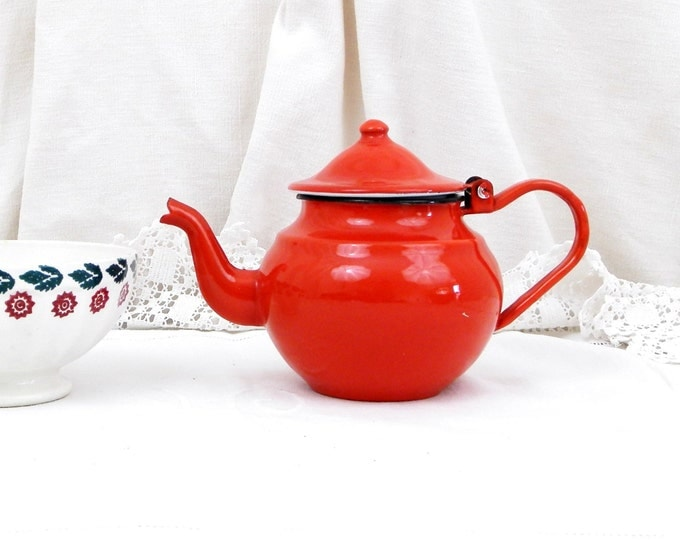 Vintage Unused Bright Red Enamel Teapot, French Country Decor, Cottage Rustic Tea, Chateau Chic, Retro Home Interieur, Enamelware