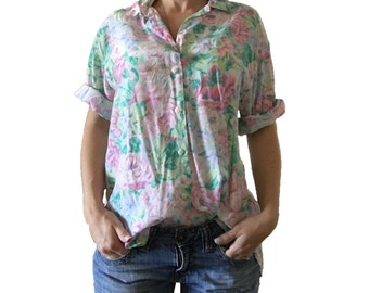 Floral Short Sleeve Button Up/ Flowers/ Pink Flowers/ Green Flowers/ Pink Roses/ Rose Blouse/ Floral Blouse/ Vintage Top