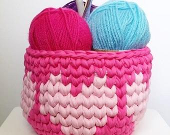 Crochet Basket - Fuscia with Pink Hearts - Tshirt Yarn
