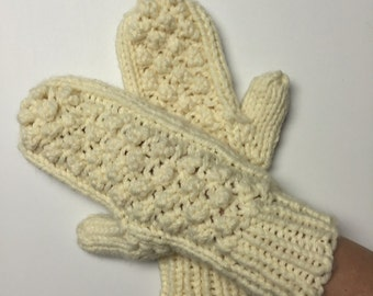 Cream Chunky Winter Mittens