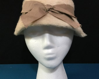 Vintage Beige 1960s Fuzzy Girl's or Woman's Cloche with Bow