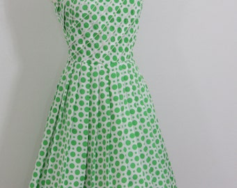 Carefree Early 1960s Green & White Polkadot Dress Designed to Travel