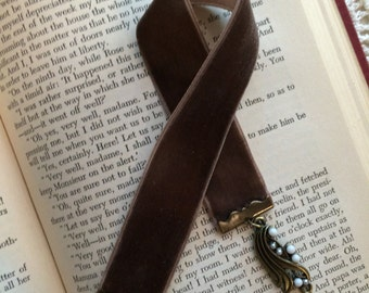 Velvet Bookmark (brown)