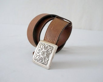 Vintage Brown Leather GAP Belt with Square Ornate Silver Buckle Women Sz 32