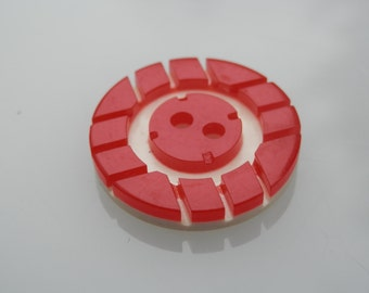 Red White Grooved Vintage Button