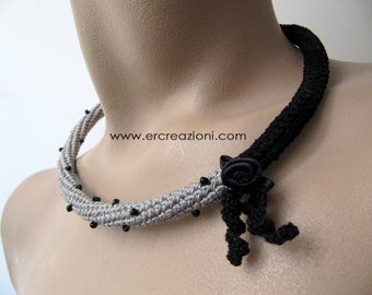 Choker crocheted black and gray