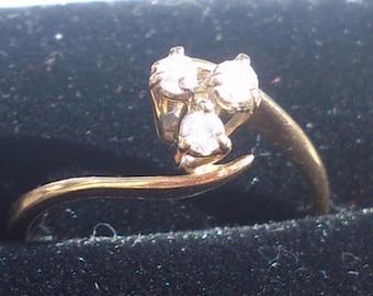 Vintage 9ct gold three stone ring