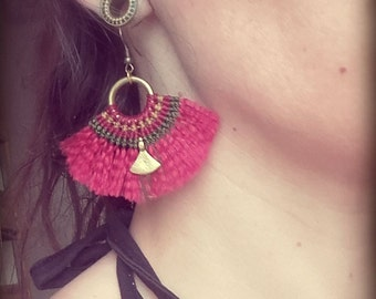 Macrame Fringe Earrings tribal boho hippie goa ethno gypsy magenta red Makramee Hoops