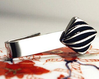 Vintage made by Speidel Mad Men style silver and black tie bar or tie clip. Modern minimal embellishment