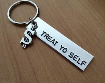 Treat yo self keychain - parks and recreation keychain