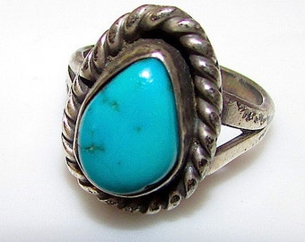 Vintage Old Pawn Native American Navajo Sterling Silver Turquoise Ring Size 4