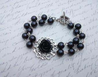 Black flower and pearls vintage style bracelet