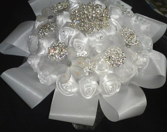 White And Silver Brooch Bouquet