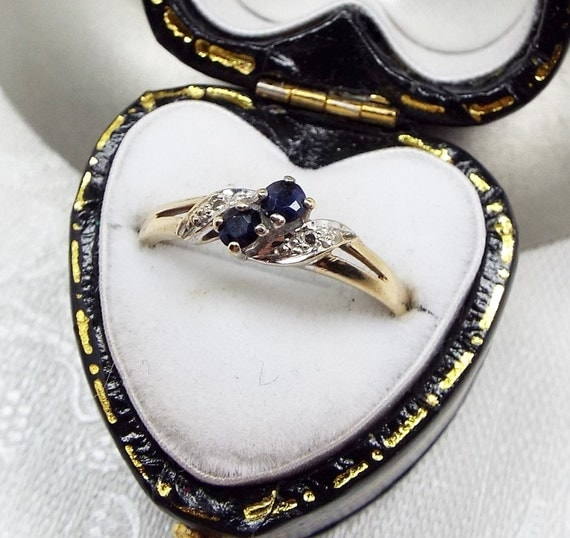 Vintage 9ct Gold Blue Double Sapphire and Diamond Crossover Ring / Size K 1/2