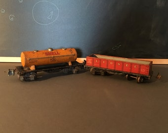 Pre-War Lionel Trains Shell Tankard and Freight Car.