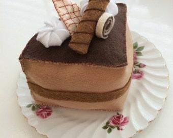 Felt Cake Slice | Chocolate Felt Cake | Felt Food | pretend play | Made in Québec