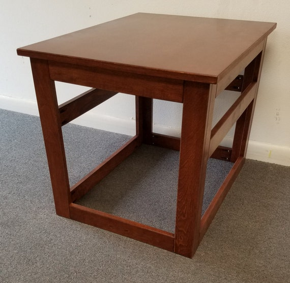 Small wooden cover for wire crate dog or cat end table