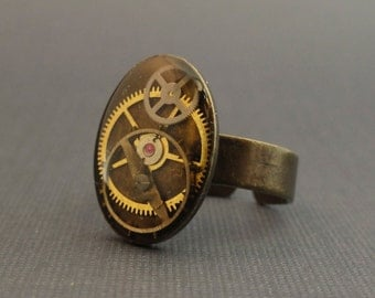 Steampunk Ring, Antique Watch Parts in Resin, Antique Bronze, Lead Free, Nickel Free, 1270