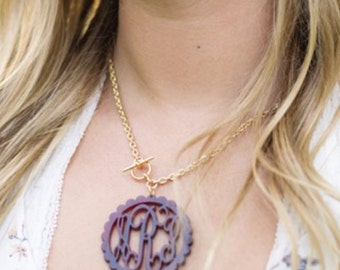 Monogrammed Large Scallop Toggle Necklace