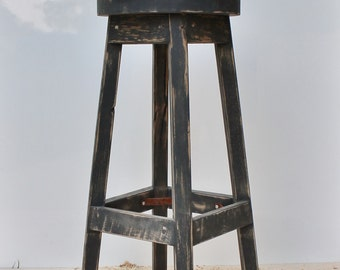 """Bar Stool - Rustic Reclaimed Barn Wood (Finished) w/Round Top - 29"""", 30"""", 31"""", 32"""", 33"""" Tall"""
