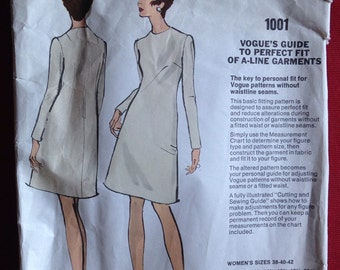 Vintage 1960s/1970s Vogue sewing pattern for Ladies A-Line dress.