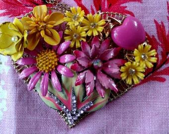 Happy Heart -Enamel Flower Necklace