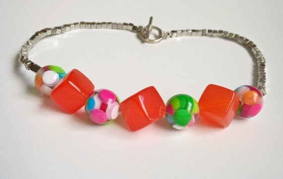 Bright cubes and spheres necklace
