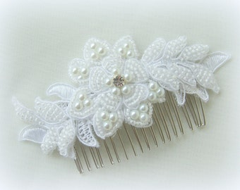 White bridal haircomb Vintage wedding hairpiece Pearls beaded lace tulle comb Bride Hair Accessories  White lace fascinator