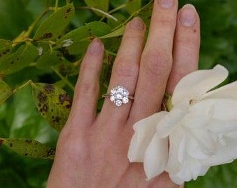 Bague diamants et or blanc, marguerite diamants, bague de fiançailles, bague entourage, diamants de belle qualité F VSi, sur commande