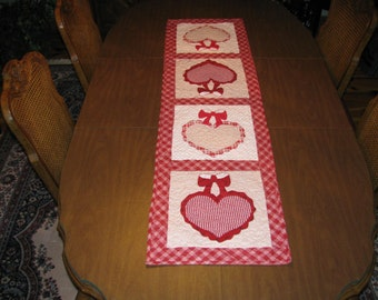 Happy Valentines quilted table runner for that special person in your life..
