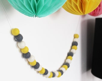Yellow Grey and White Felt Ball Garland, Pompom Garland, Eco-friendly Baby Gift, Kids Room Decor, Baby Shower Decor
