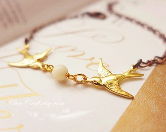 Chic Sparrow Bracelet Dainty Sparrow Jewelry Gold Bird Bracelet Couples Bird Jewelry Bridesmaid Bracelet Dainty bracelet Minimalist Bracelet