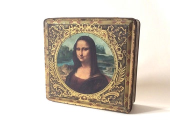 Vintage tin box. 1950's cookies box. Mona Lisa. Leonardo da Vinci. Collectible box.